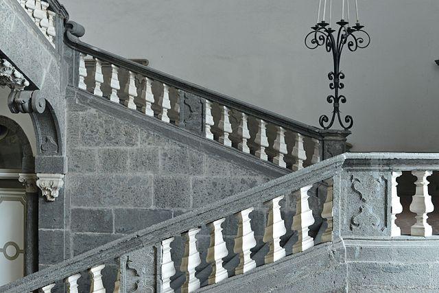 scalinata_-_palazzo_serra_di_cassano_-_naples_2016_02